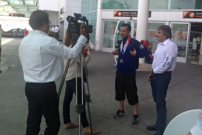 Professor Arturo Álvarez and Alberto Sierra, in Guadalajara airport after World Police and Fire Games, Fairfax, USA 20153